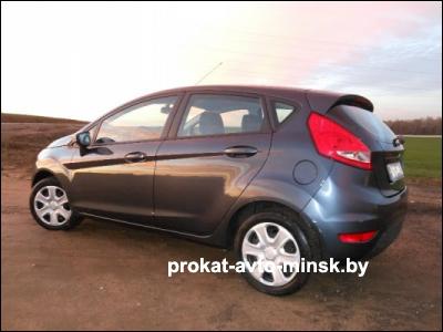 Прокат хетчбэка FORD Fiesta в Минске без водителя