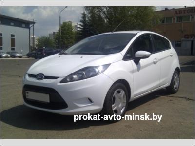 Прокат седана FORD Fiesta в Минске без водителя