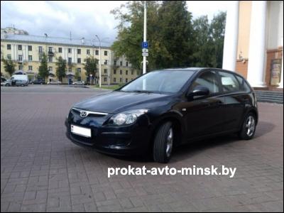 Прокат хетчбэка HYUNDAI i30 в Витебске без водителя