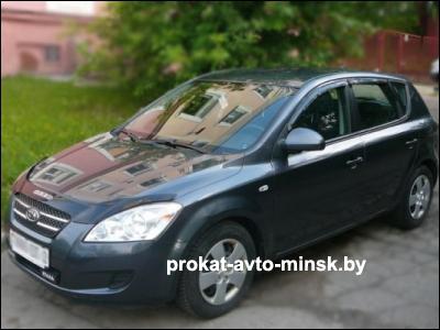 Прокат хетчбэка KIA Cee-d в Минске без водителя