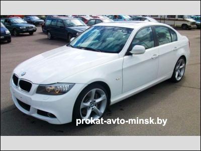 Прокат седана BMW 3-reihe (E90) в Минске без водителя