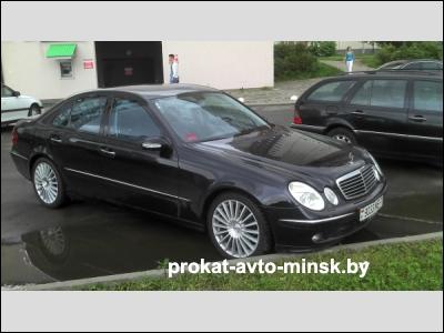 Аренда седана MERCEDES E-klasse (W211) в Минске с водителем