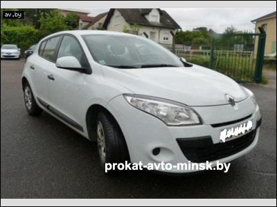 Прокат седана RENAULT Megane в Минске без водителя