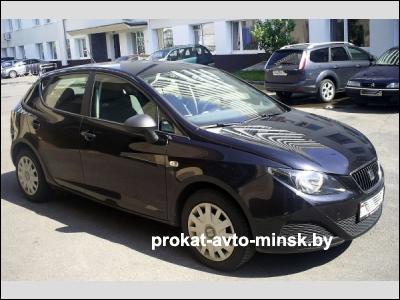 Прокат хетчбэка SEAT Ibiza в Минске без водителя