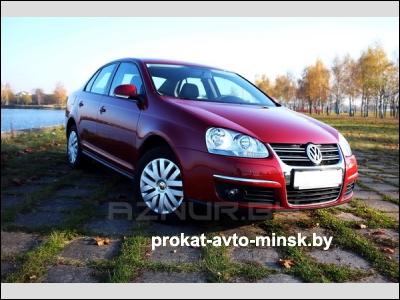 Прокат седана VOLKSWAGEN Jetta в Минске без водителя